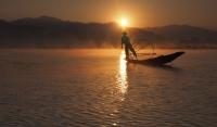 Tim Collisbird Fishing Inle2 - Merit