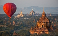 Merit_rosslyn_duncan_balloon_over_bagan