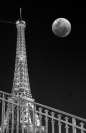 Christine_Nelson_Eiffel_at_Night