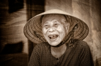 Credit_Les_Atkins_Old_Vietnamese_Lady_1