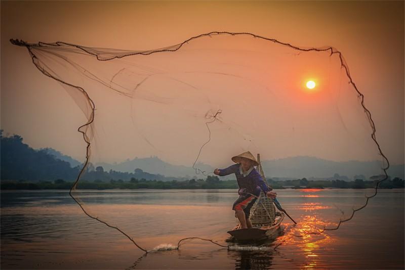 Phil Cargill Framed Fisherman