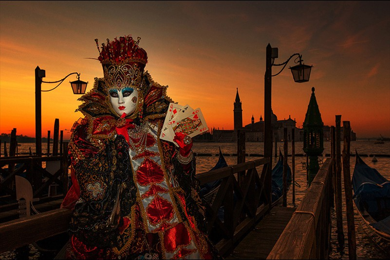 Kerry Boytell  Colour of the year Queen of Hearts in Venice